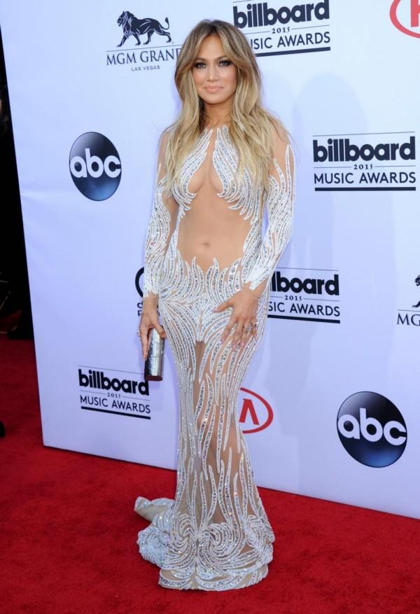 Сексуальное платье Дженнифер Лопес на Billboard Music Award-2015 (9 фото)