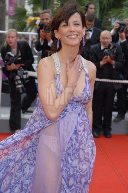 Самопиар актрисы Софи Марсо на Каннском кинофестивале. НЮ (4 фото)