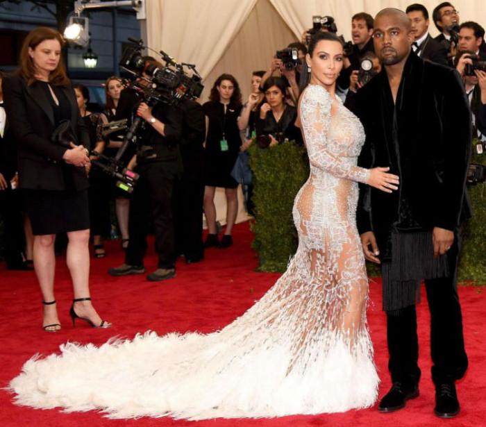 История звездной моды на «голые платья» (23 фото)