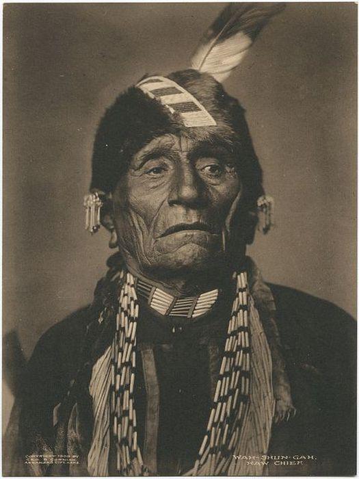 Как поступали индейцы со своими жертвами (34 фото)