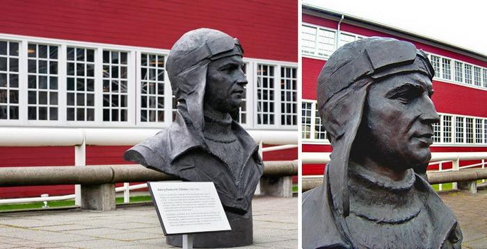 Памятники выдающимся личностям России и СССР за рубежом (20 фото)