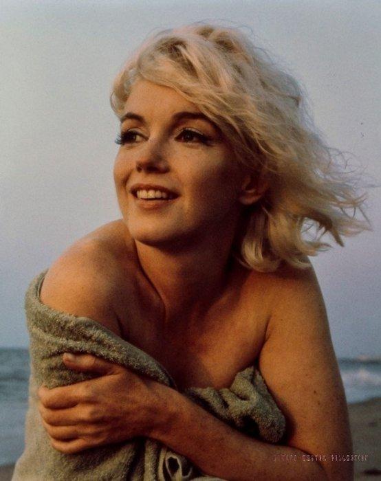 На продажу выставлены фото из последней фотосессии Мэрилин Монро (8 фото)