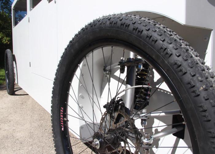 Гибрид велосипеда и автомобиля (9 фото)