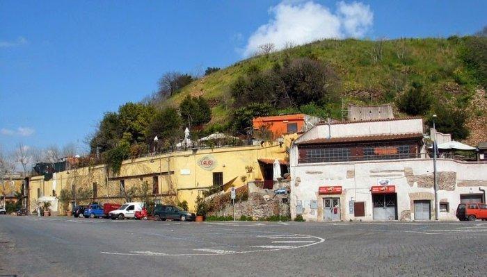 Монте Тестаччо – свалка с историей в 2000 лет (8 фото)