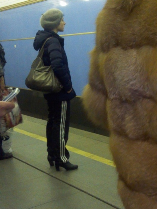 Невероятные образы пассажиров метро Санкт-Петербурга (40 фото)