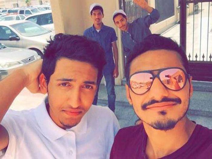 В Саудовской Аравии два парня ценой собственной жизни спасли сотни людей (2 фото + 2 видео)