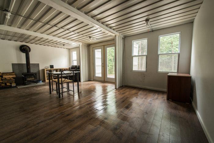 Оригинальный домик в лесу (8 фото)