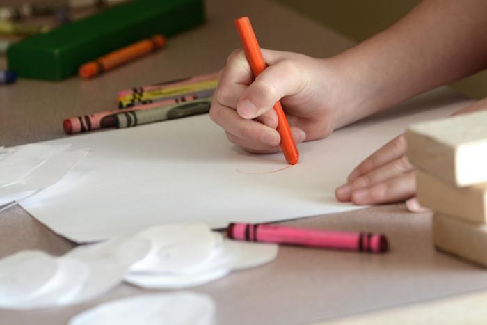 Детские игры, воспоминания о которых могут вогнать вас в краску (10 фото)