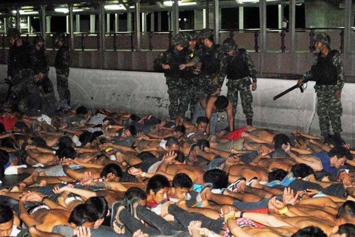 Полиция Таиланда задержала 425 нелегальных гонщиков (7 фото)