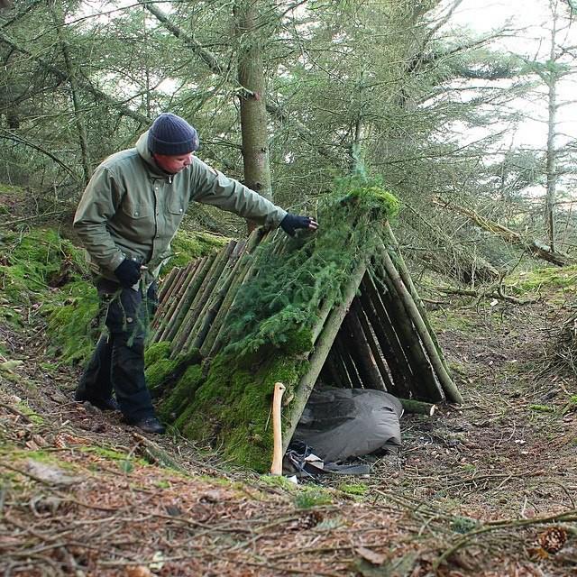 Как построить шалаш в лесу своими руками 25