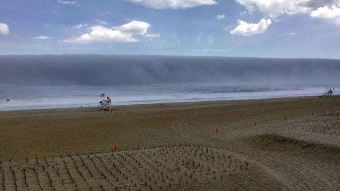 Обманчивое цунами на побережье Нью-Джерси (4 фото)