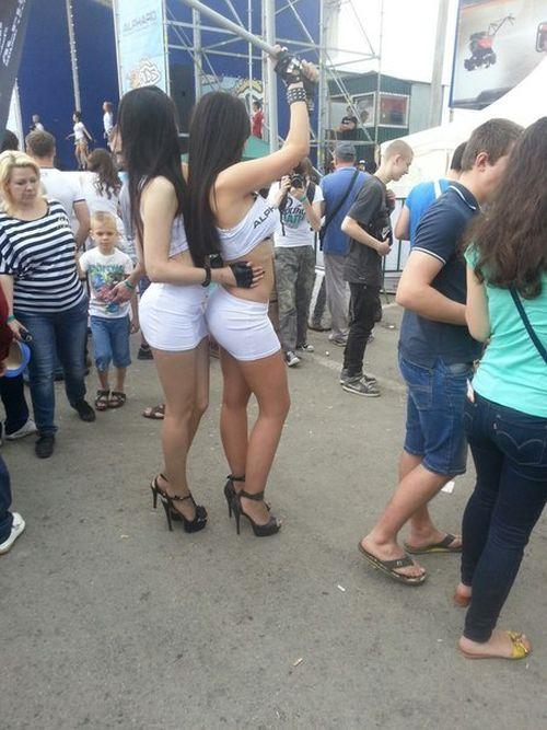 Фото девушек, попавшие на страницы пабликов без их ведома (40 фото)