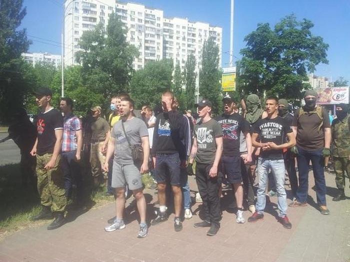 В Киеве сорвали гей-парад «Марш равенства» (19 фото)