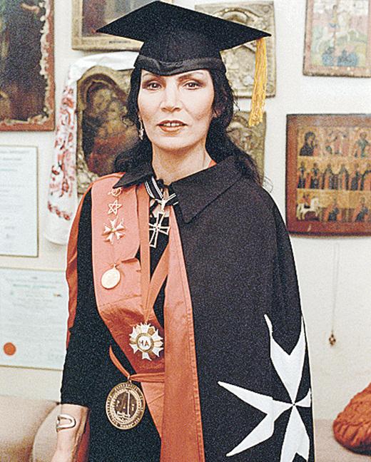 Пять мифов о жизни целительницы Джуны Давиташвили (5 фото + текст)