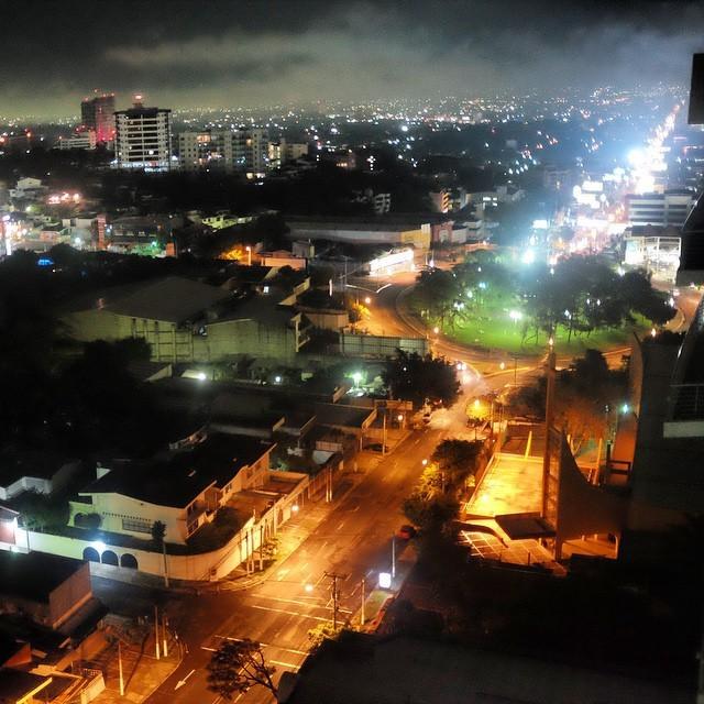 Россия и Сальвадор подписали соглашение о безвизовом режиме (20 фото)