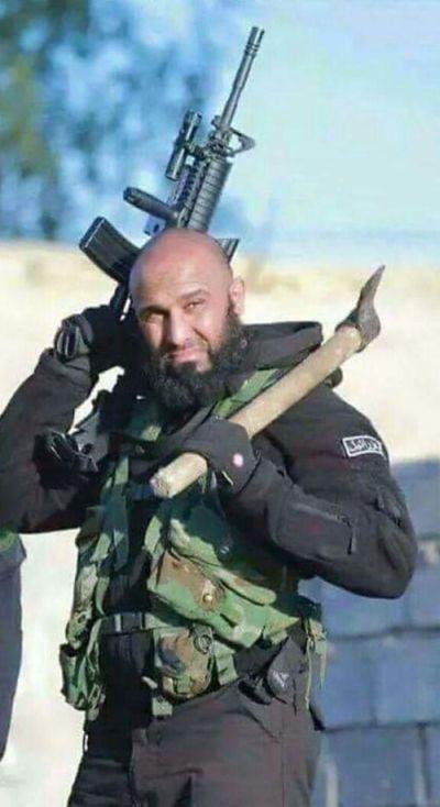 «Иракский Рэмбо» Абу Азраил сделал новый устрашающий снимок (5 фото)