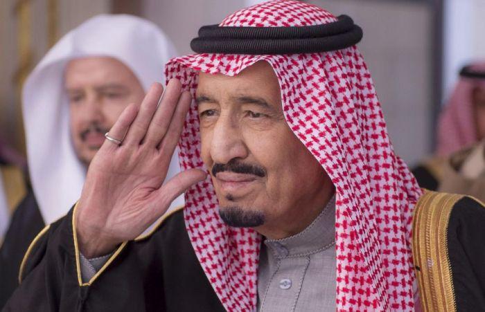 Щедрый подарок гражданам Саудовской Аравии от монарха (3 фото)