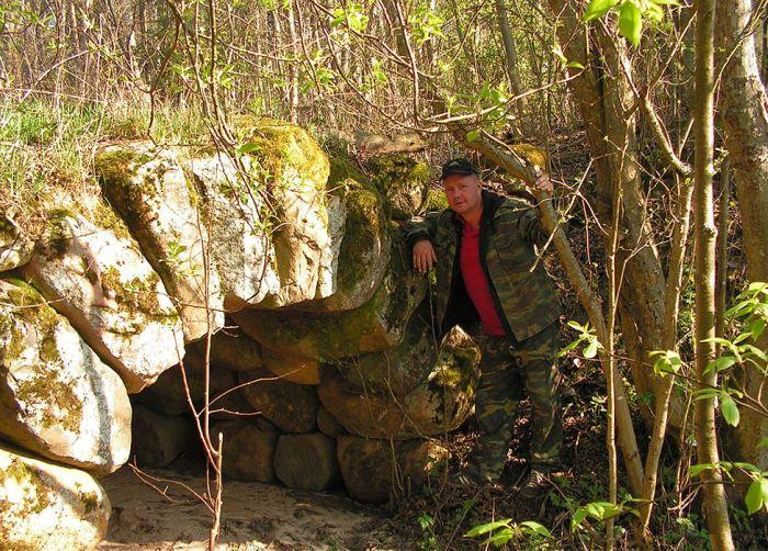 Удивительные каменные мостики в Тверской области (3 фото)