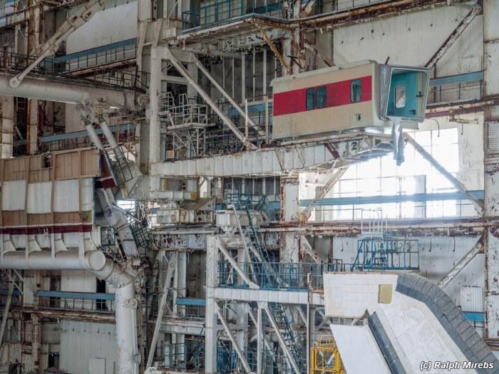 Заброшенные советские шаттлы на космодроме Байконур (29 фото)