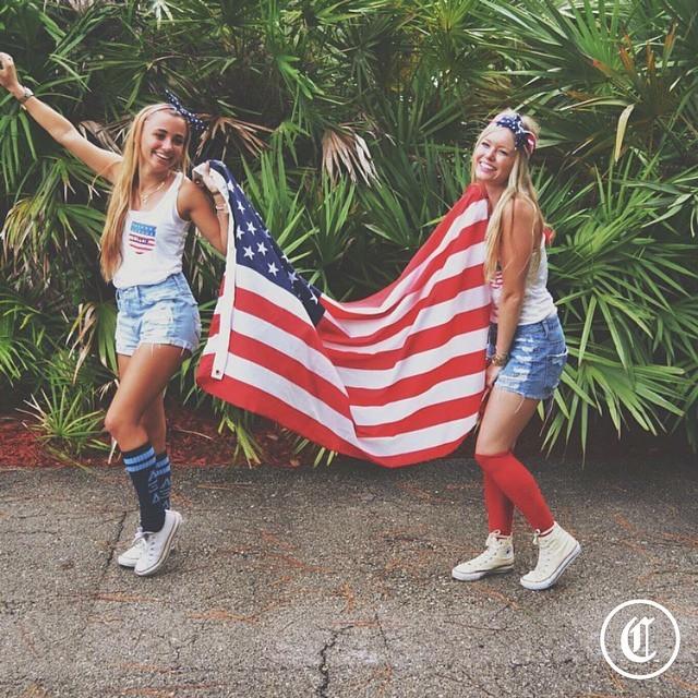 Симпатичные иностранные студентки (39 фото)