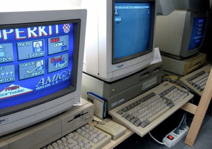 В американской школе до сих пор используют 30-летний компьютер Commodore Amiga 2000 (4 фото)