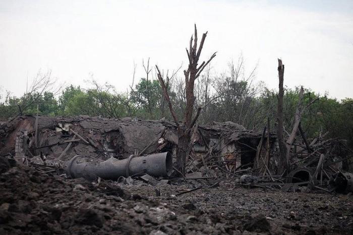 На окраине Донецка прогремел мощнейший взрыв (37 фото)