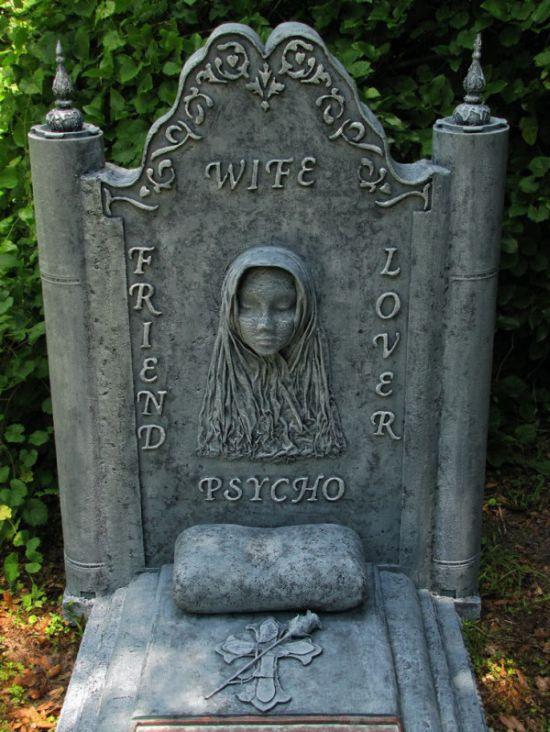 Предостережение на могиле умершей жены (3 фото)