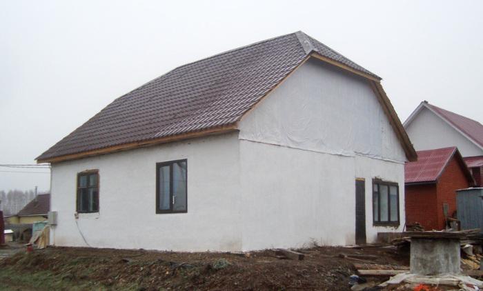 Как построить частный дом, имея строго ограниченный бюджет (42 фото + видео)