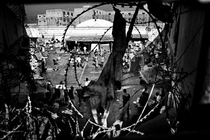 Жизнь в тюрьмах Южной Америки на снимках Валерио Биспури (9 фото)