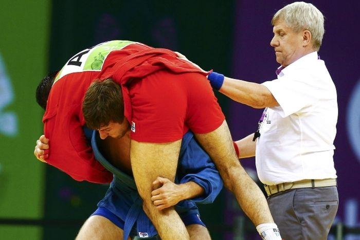 Белорусский самбист Степан Попов проявил настоящую спортивную солидарность (3 фото + видео)