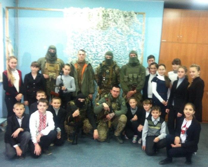 Фотографии бойцов батальона «Азов» из соцсетей (20 фото)