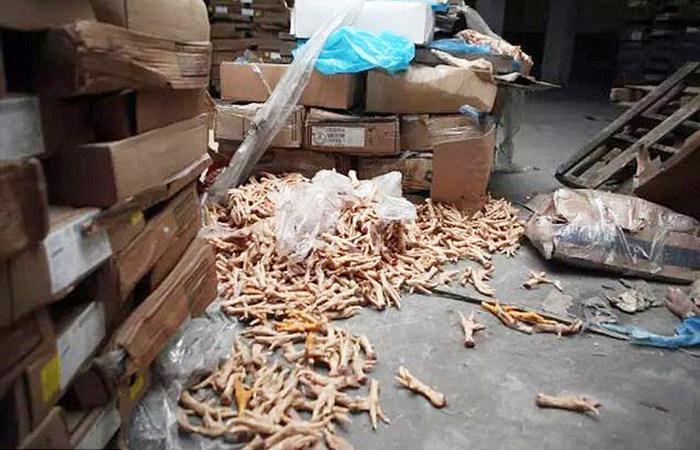 В Китае изъяли 100 000 тон мяса, отдельным партиям которого более 40 лет (5 фото)