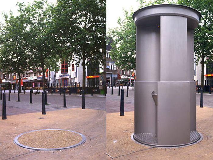 Исчезающие шведские туалеты (2 фото)