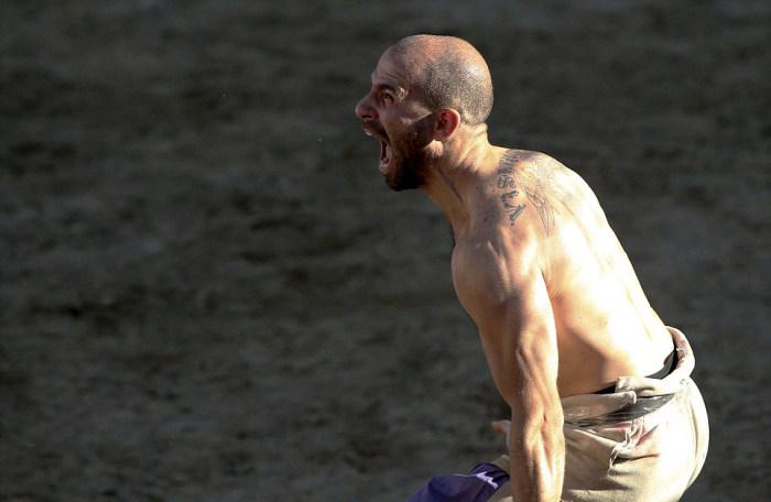 Флорентийский кальчо - жестокий прародитель футбола и регби (27 фото)