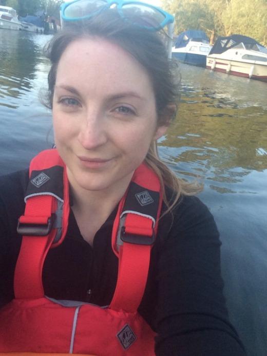 Британская путешественница Лаура Кеннингтон не выдержала русского гостеприимства (4 фото)