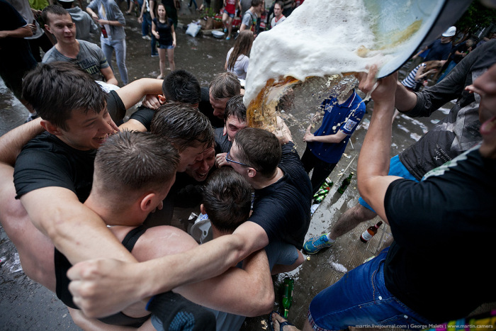 Выпускники МГТУ имени Баумана отпраздновали окончание учебы (37 фото)
