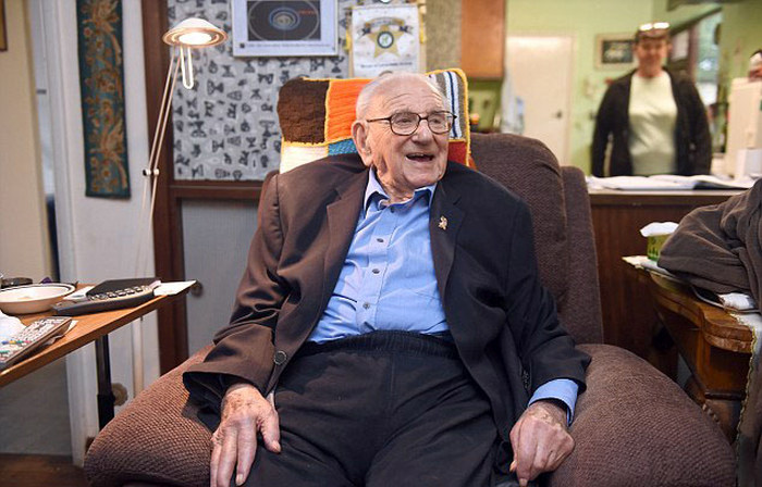 Николас Уинтон «британский Шиндлер» умер в возрасте 106 лет (4 фото + видео)