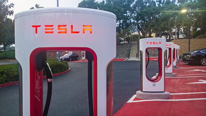 Бесплатные заправочные станции TESLA Supercharger (10 фото)