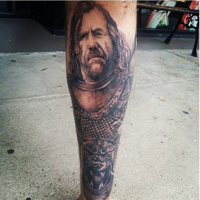 Татуировки на телах поклонников сериала «Игра престолов» (37 фото)