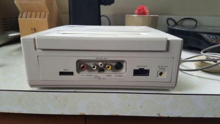 Найден редкий прототип игровой консоли Sony Playstation на базе Nintendo (6 фото)