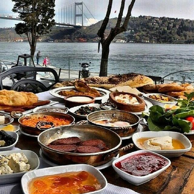 Как живет «золотая» молодежь Турции (25 фото)