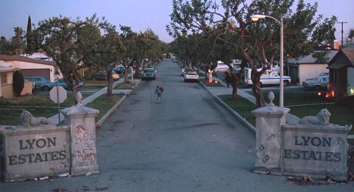 Улицы вымышленного городка Хилл-Вэлли из фильма «Назад в будущее» 30 лет спустя (46 фото)