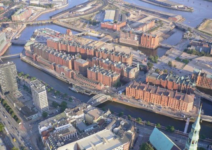 Уникальные гамбургские портовые склады Speicherstadt (7 фото)