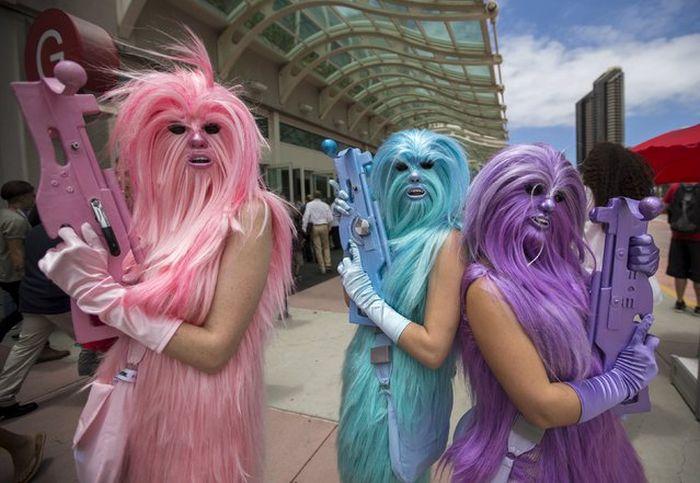 Как проходит фестиваль Comic-Con 2015. Фото с места события (28 фото)