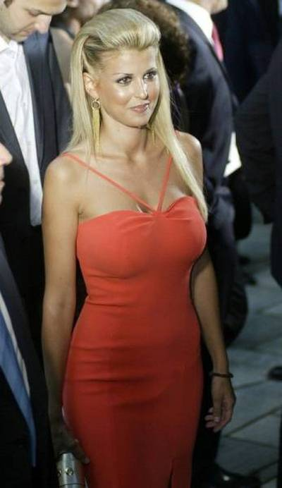 Елена Рапти - самый привлекательный член греческого парламента (22 фото)