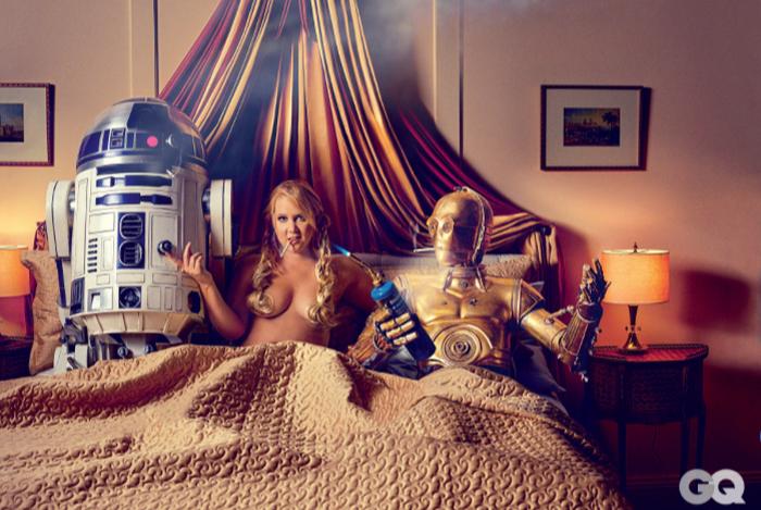 Эми Шумер предстала в образе раскрепощенной принцессы Леи из «Звёздных войн» в новой фотосесси для журнала GQ (6 фото)