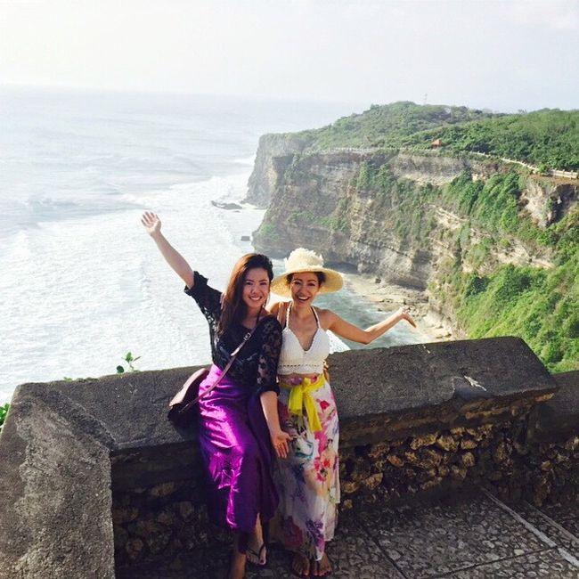 Застрявшие на Бали туристы публикуют фото своих «мучений» (24 фото)