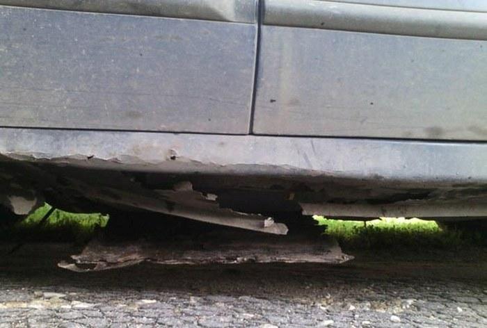 Неожиданный сюрприз в ржавой подержанной машине (5 фото)