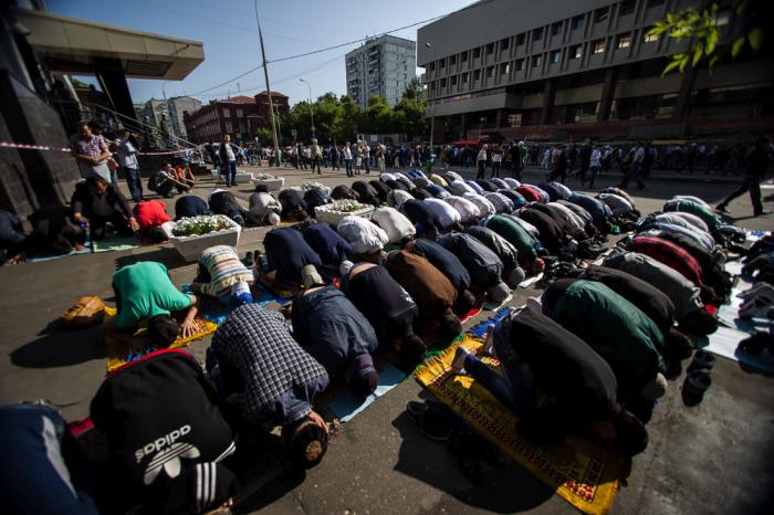 Мусульмане Москвы отметили окончание Рамадана (47 фото)