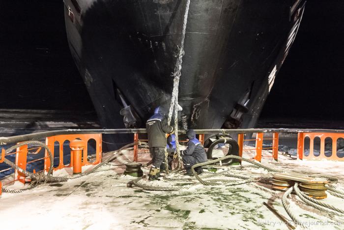 Зимнее судоходство в суровых условиях Арктики (21 фото)